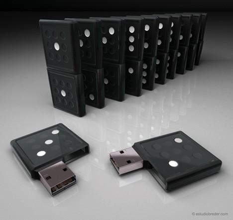 USB-Sticks als Dominosteine: Pfiffige Idee eines brasilianischen Designers (Foto: Estudio Breder)