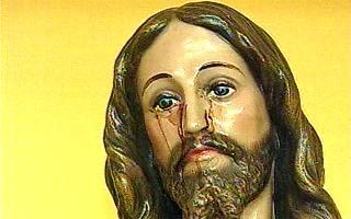 Jesus-Statue in Macatuba: Tränen aus Blut oder doch nur rostiges Wasser? (Foto: globo.com)