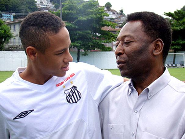 """...молодой нападающий  """"Сантоса """" Неймар сейчас смог бы заиграть в Англии..."""