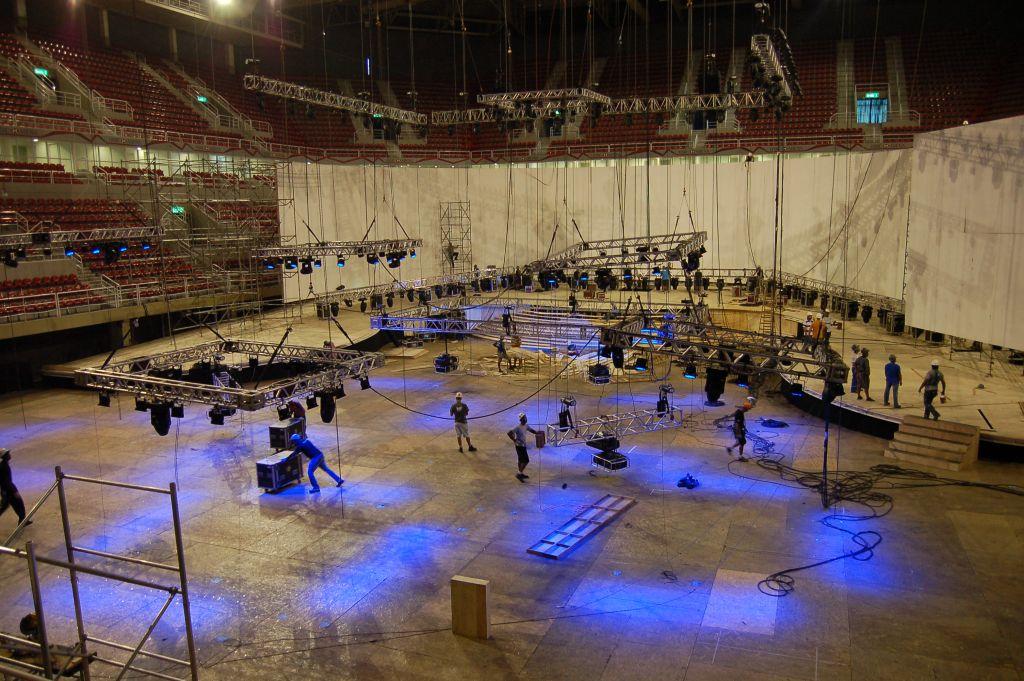 Montagearbeiten HSBC-Arena (Foto: Luiz Ferreira / IAPF)