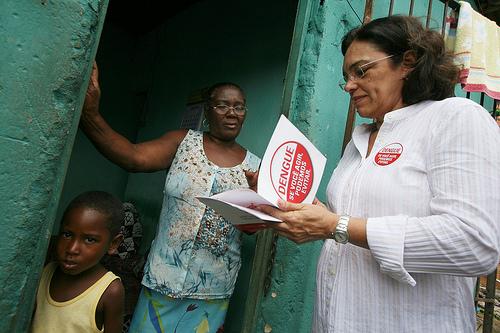 Ação de combate à dengue em PeriperiNa foto:Autora: Carol Garcia / AGECOM